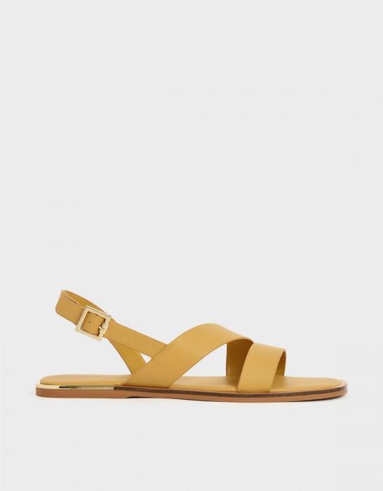 เลือกรองเท้าแตะแบบไหนดี ใส่แล้วดูชิลล์ และสบายเท้า